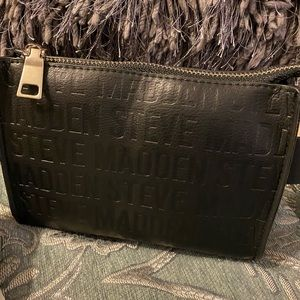 Steve Madden belt bag, size 2XL.